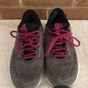 Brooks Ravenna running shoes grey pink women's 6.5